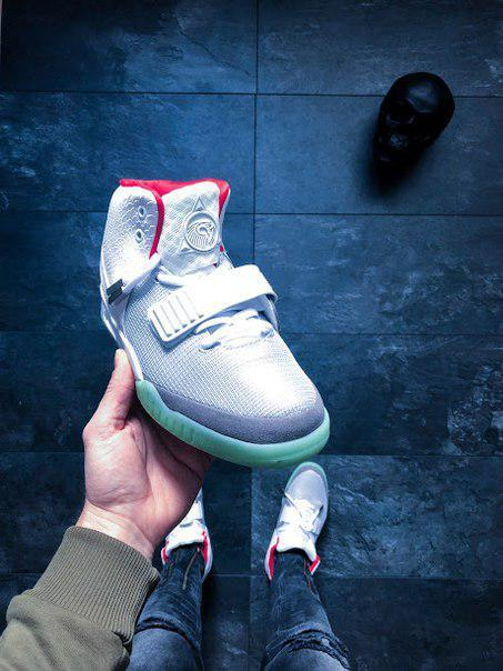 7aace489 Мужские кроссовки Nike Air Yeezy 2 NRG Wolf (в стиле Найк Аир Макс)  серебристые, цена 1 749 грн., купить в Киеве — Prom.ua (ID#635243879)