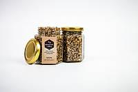 Мед з маком, меленим горіхом і фундуком
