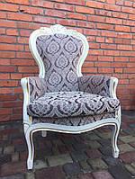 Итальянское  мягкое кресло с подлокотниками