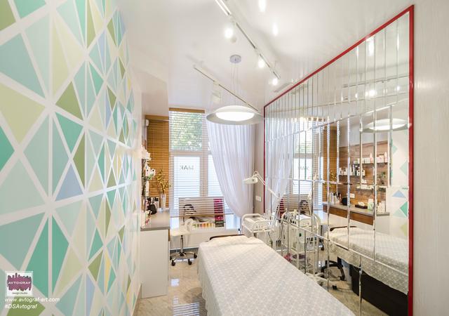 Beauty salon by #dsavtograf . #moderninterior #interior #interiordesign #interior4all #luxury #furnituredesign #mirror #gammabross #light