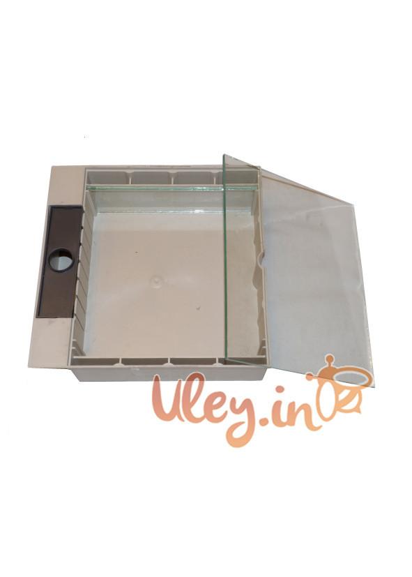 Кормушка «Дудника» квадратная под стекло 1,6 л.