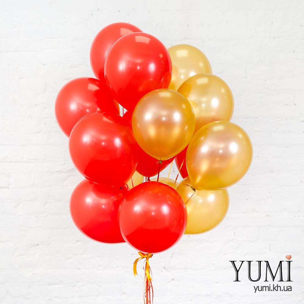 Связка из 8 красных и 7 золотых шаров
