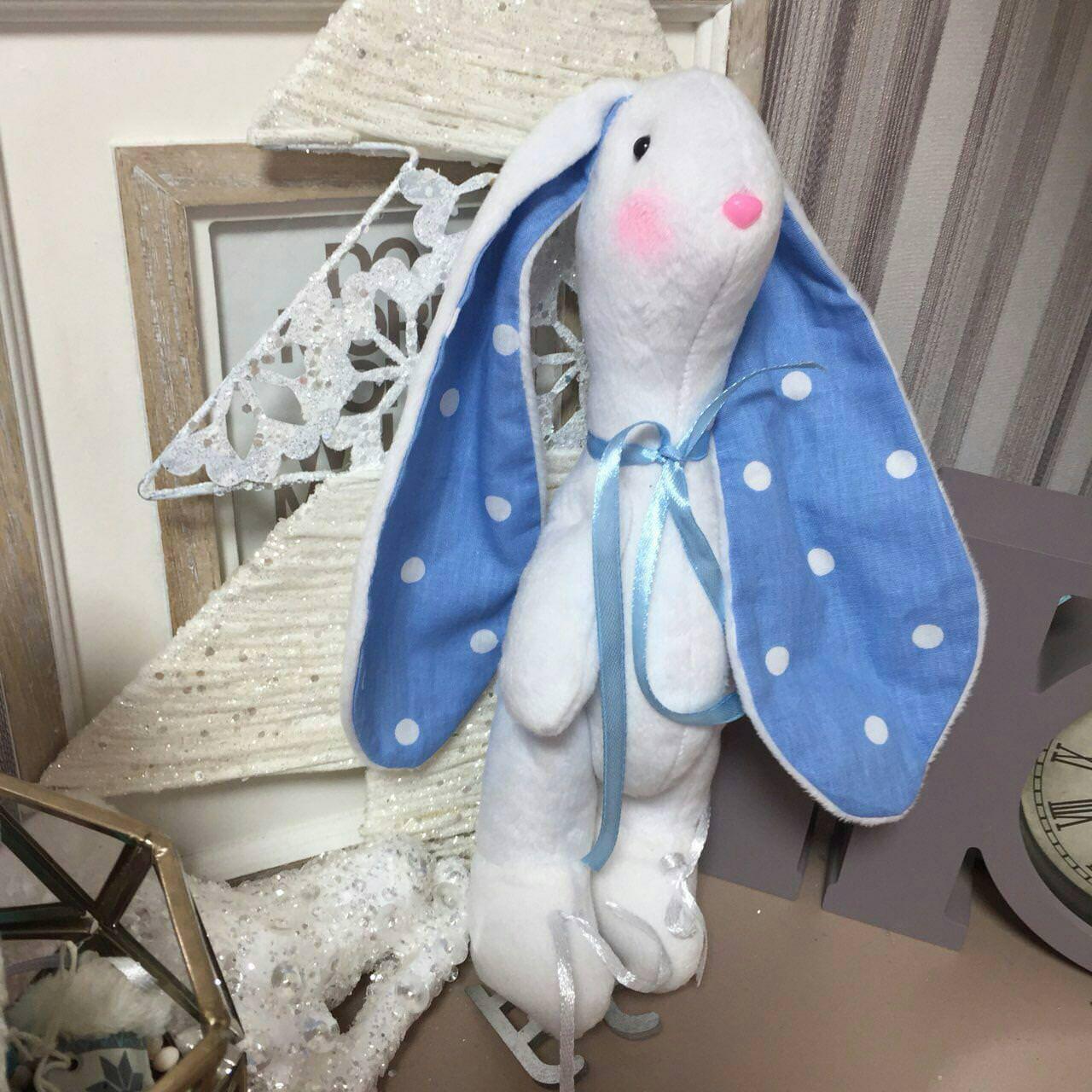 Кукла-тильда заяц фигурист