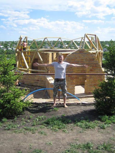 Купольный загородный дом
