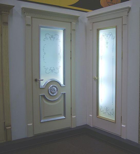 двери деревянные белые с витражами