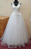 Белое кружевное свадебное платье с юбкой-плиссе на корсе,  размер 44-48