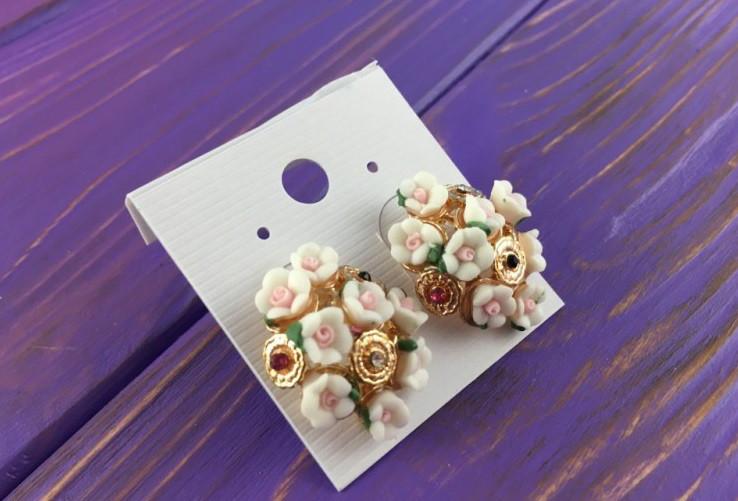 Серьги женские в цветочном стиле