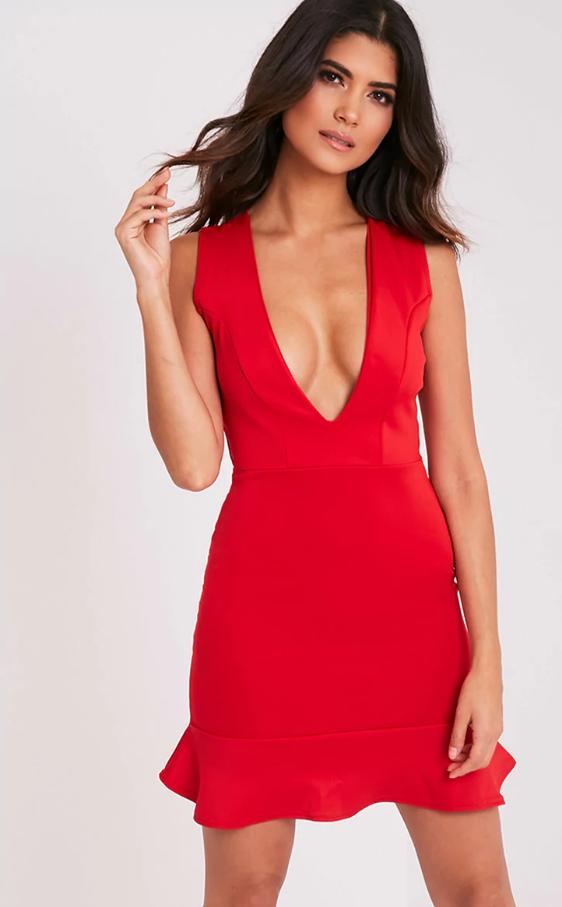 Новое красное платье с глубоким декольте pretty little thing