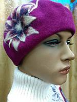 Береты TONAK  из мягкой шерсти с большим набивным цветком в светлом тоне, берет цвет фуксии, фото 1
