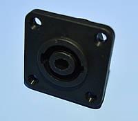 Гнездо SPEAK-ON 4-pin монтажное квадратное  GNI0060