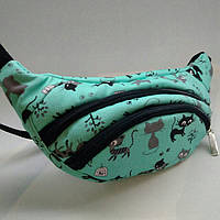 Бирюзовая поясная сумочка с котиками