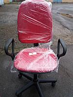 Кресло офисное б/у. Цвет :алый
