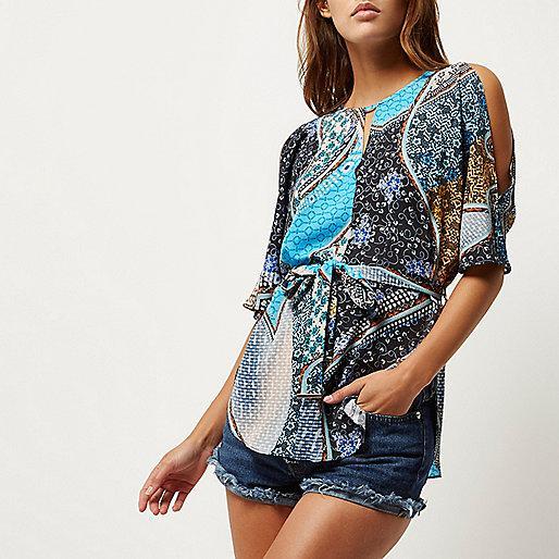 Блуза с вырезами на плечах и поясом River Island