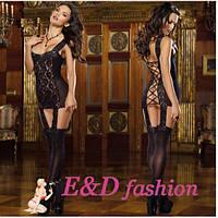 Соблазнительное платье с кружевными вставками и подвязками для чулок