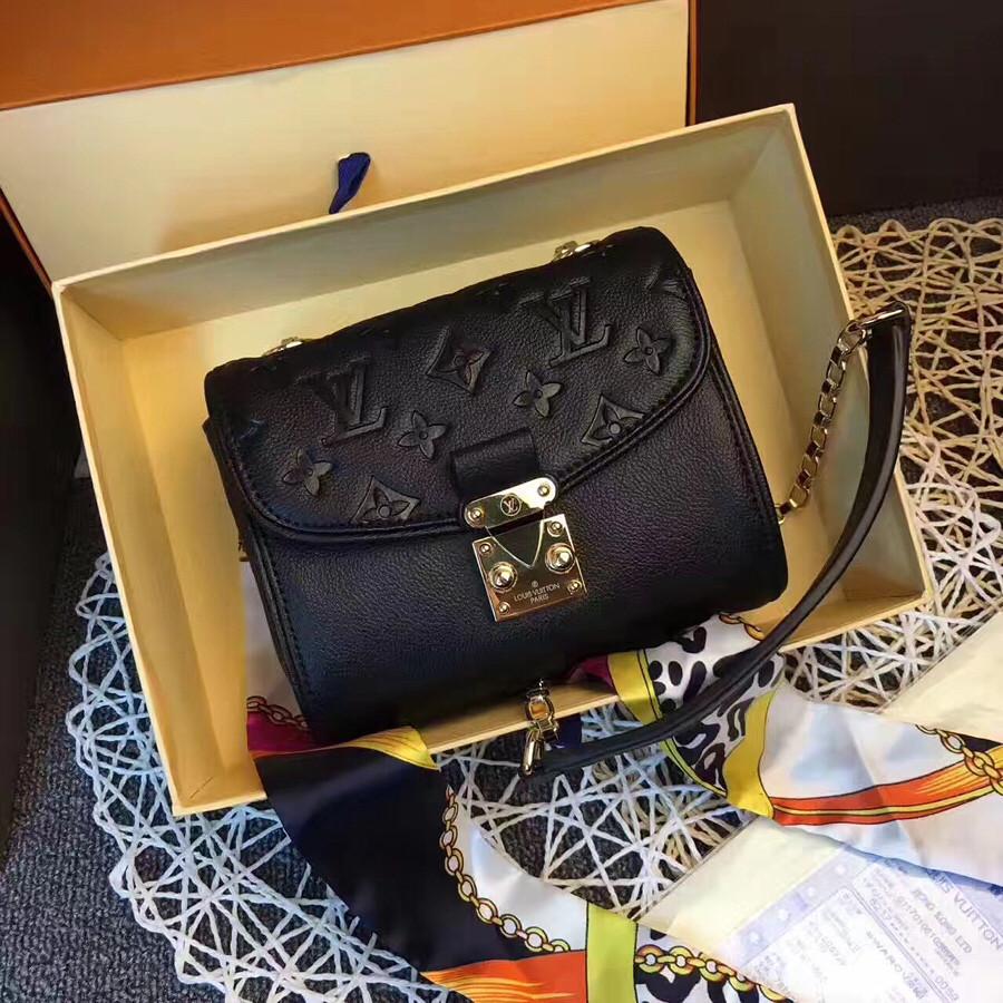 2f34f76019db Клатч из натуральной кожи Louis Vuitton: продажа, цена в Киеве ...