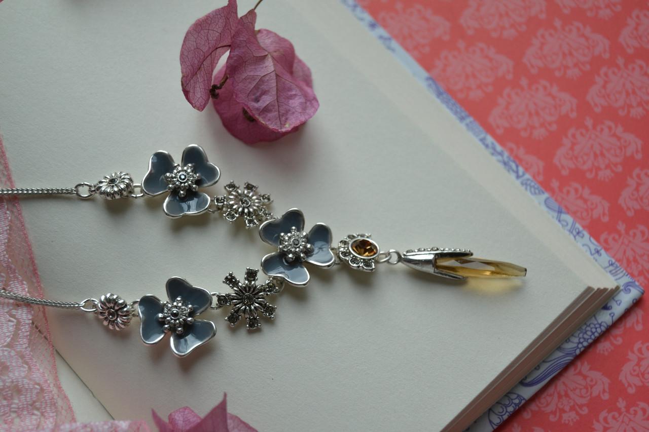 Колье с покрытием стерлингового серебра,камнями и цветной эмалью