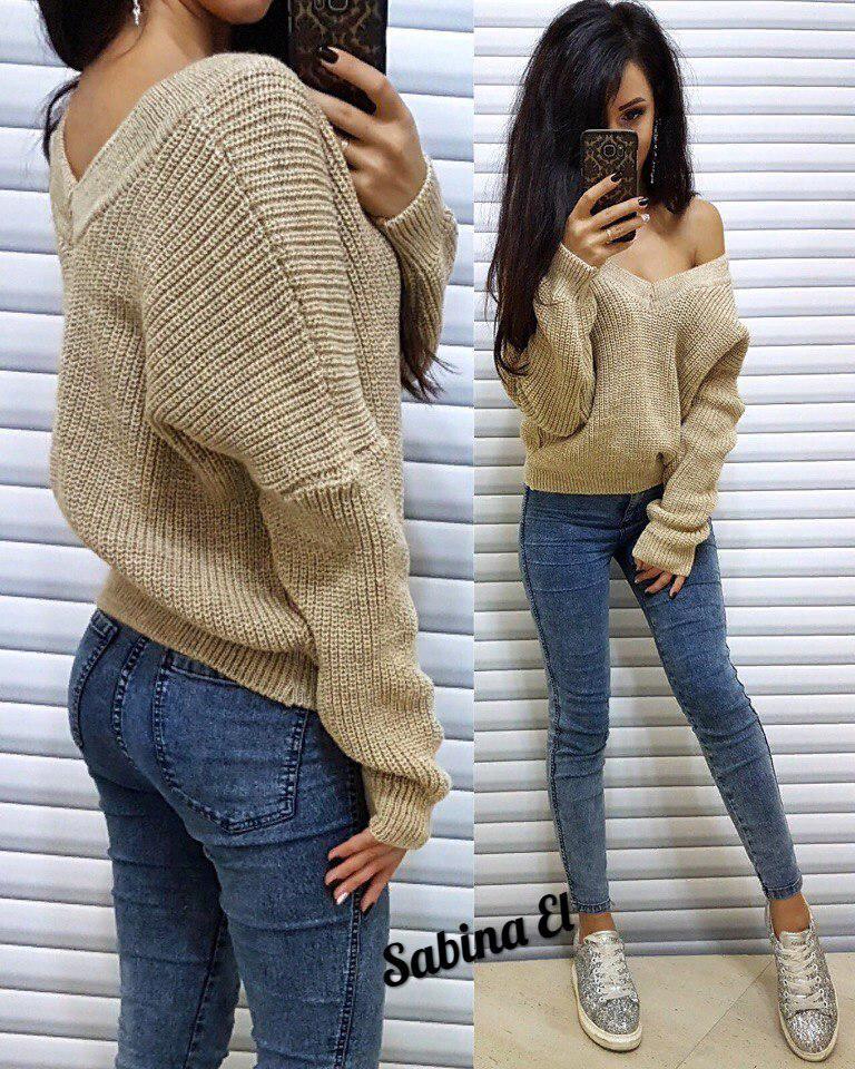 Женский вязаный свитер с V-вырезом и спадающим плечом 704110