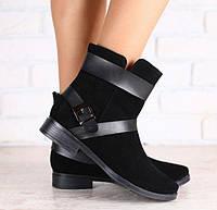 Ботинки демисезонные замшевые черные с кожаными пряжками