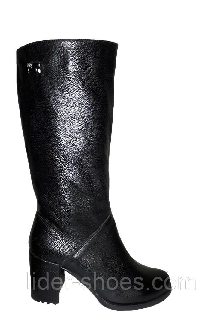 Кожаные женские сапоги на каблуке