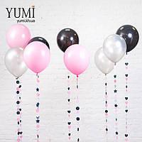 Композиция из 3 нежно-розовых, 3 чёрных и 3 серебряных шаров и гирлянд с кружками, звездочками и сердечками