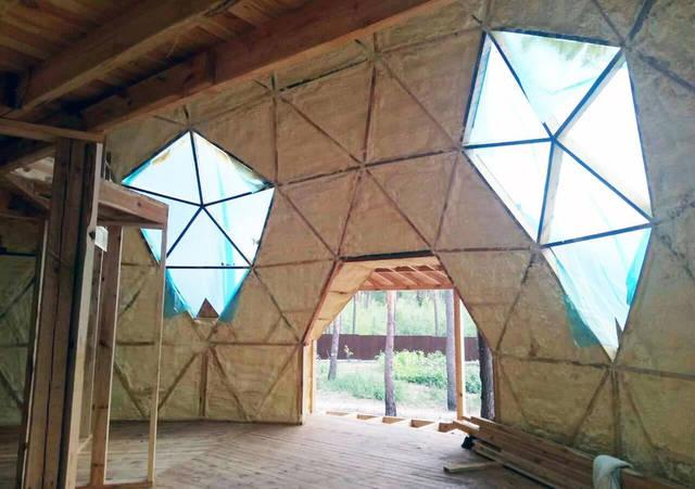 Утепление купольного дома (пена)
