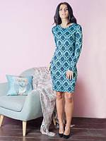 Молодежное платье бирюзового цвета с вышитым узором