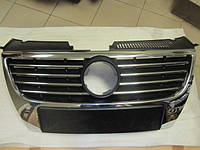Решетка радиатора с отв.под парктроники