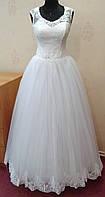 58.4 Нежное белое свадебное платье с кружевом и вышивкой, размер 44