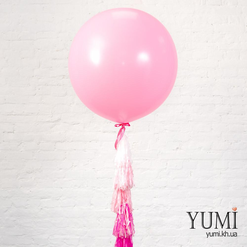 Нежжный розовый шар-гигант с гирляндой для мамы