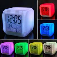 Часы кубик светящиеся хамелеон с термометром