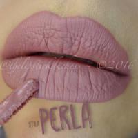 Обаятельная матовая жидкая помада Stila цвет Perla