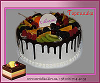 Торт с фруктами в  шоколаде