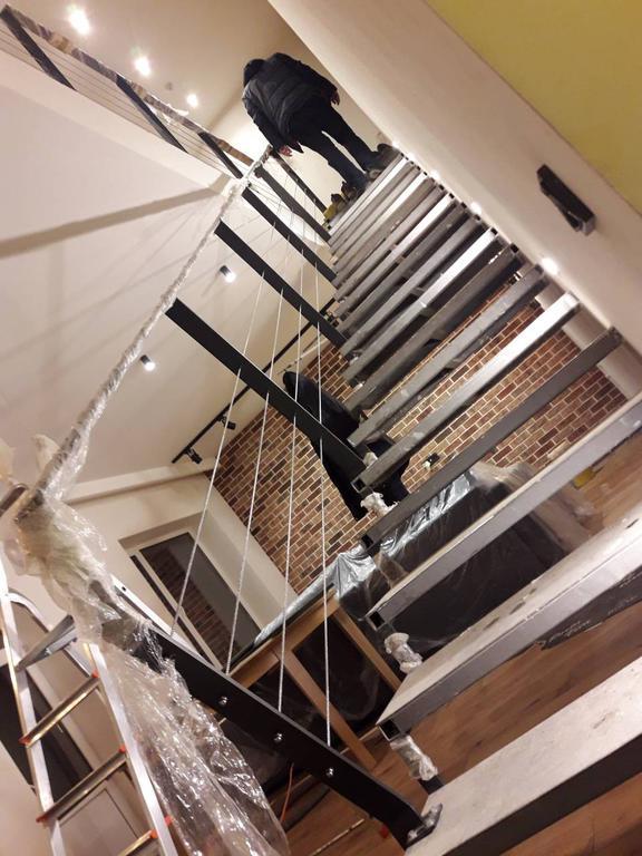 монтаж тросового ограждения лестничного пролета в частном доме, Харьков, декабрь 2017