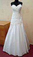 Стильное белое свадебное платье с нежными цветами и кристаллами Swarovski, размер 42-46