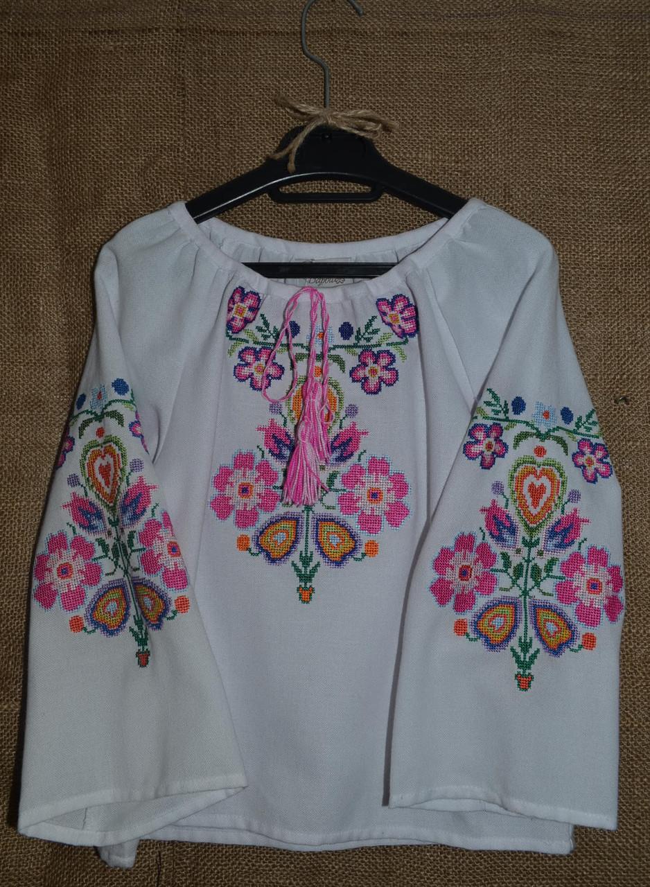 Для дівчинки вишиванка розове дерево - Барви Вишивки в Львове f672a543ac617