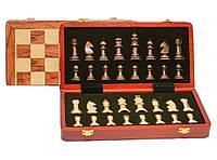 Деревянные шахматы в сундучке