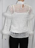 Кофточка ажурная женская декорированная пухом, белая, фото 3