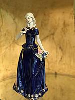 Статуэтка Девушка в синем платье кобальт