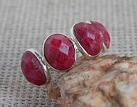 Серебряное кольцо с красными корундами 18 размера