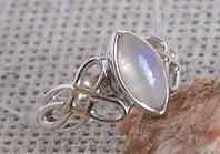 Серебряное кольцо с лунным камнем Кельтика, размер 18