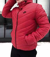Мужская зимняя куртка Nike с капюшоном красная
