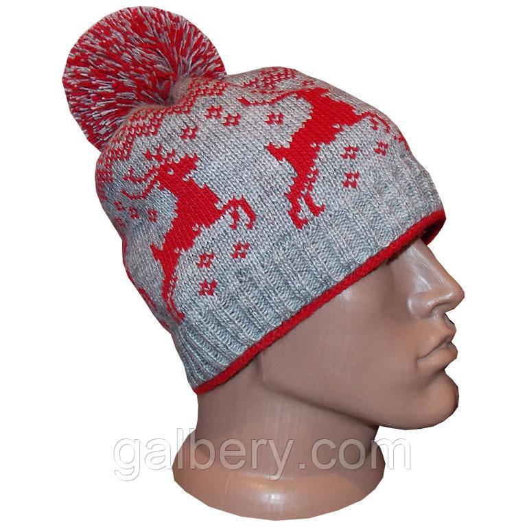 """Чоловіча вязана зимова шапка з помпоном, в стилі норвезького орнаменту """"Олені"""""""
