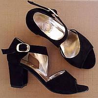 7001.2| (36; 39) Женские босоножки на каблуке