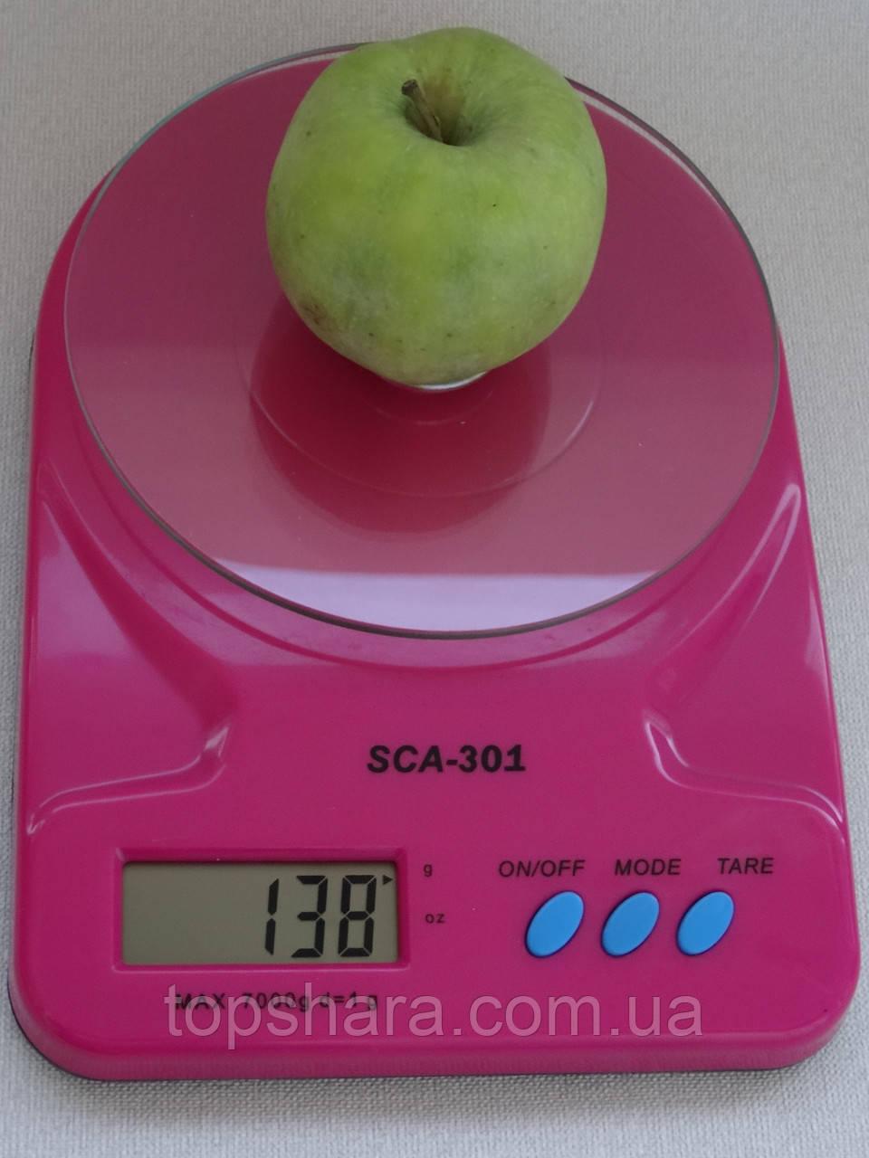 Весы кухонные со стеклянной подставкой SCA-301 красные до 7 кг