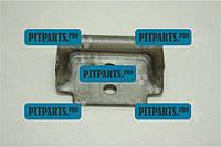 Кронштейн заднего Листа №2 УАЗ-452 (лягушка малая) УАЗ 2206 (452-2902035)
