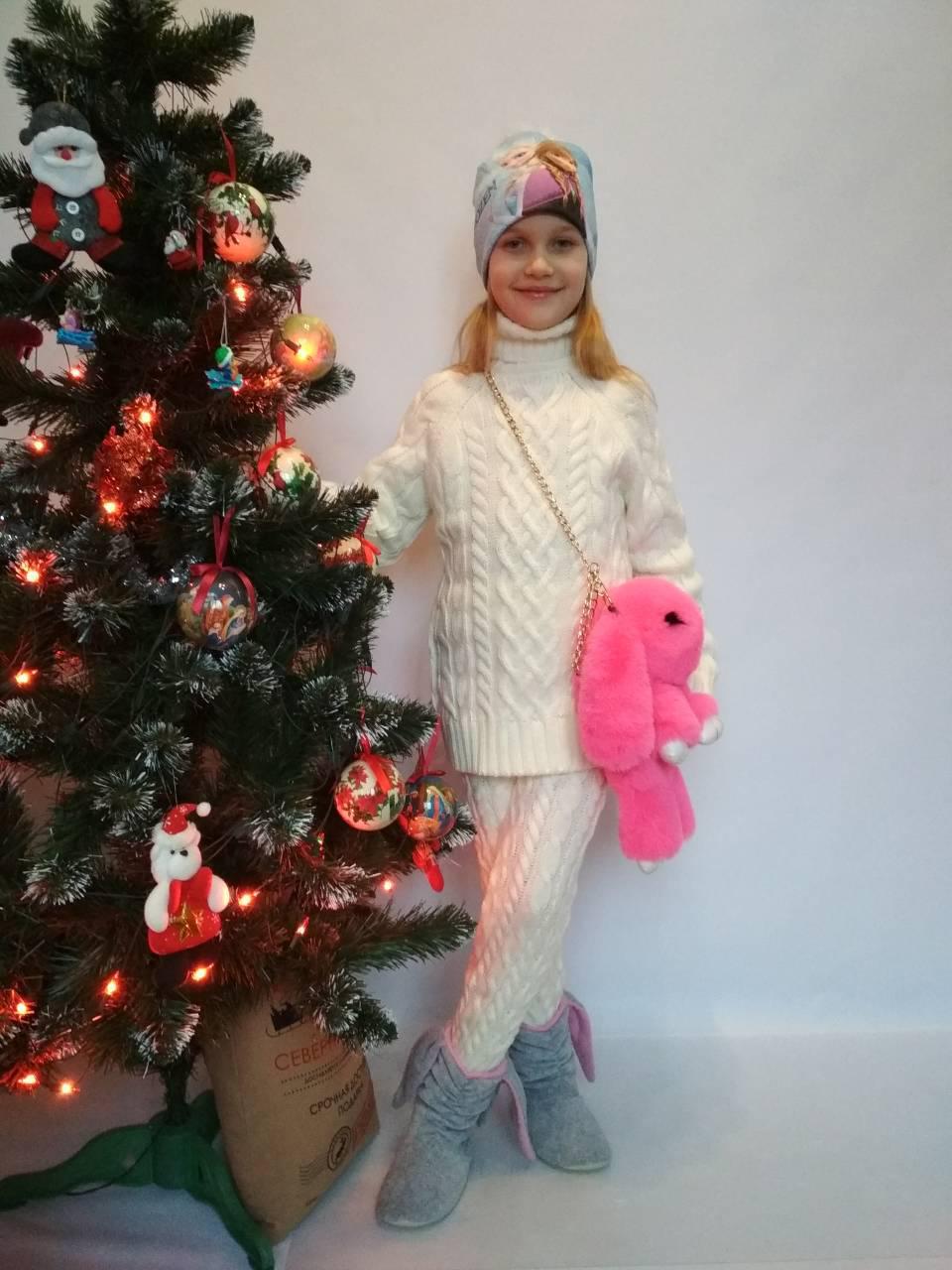 теплый вязаный костюм на девочку белого цвета цена 450 грн купить