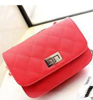 Жіноча маленька сумочка на ланцюжку червона