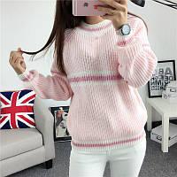 Объемный свитер женский крупной вязки розовый
