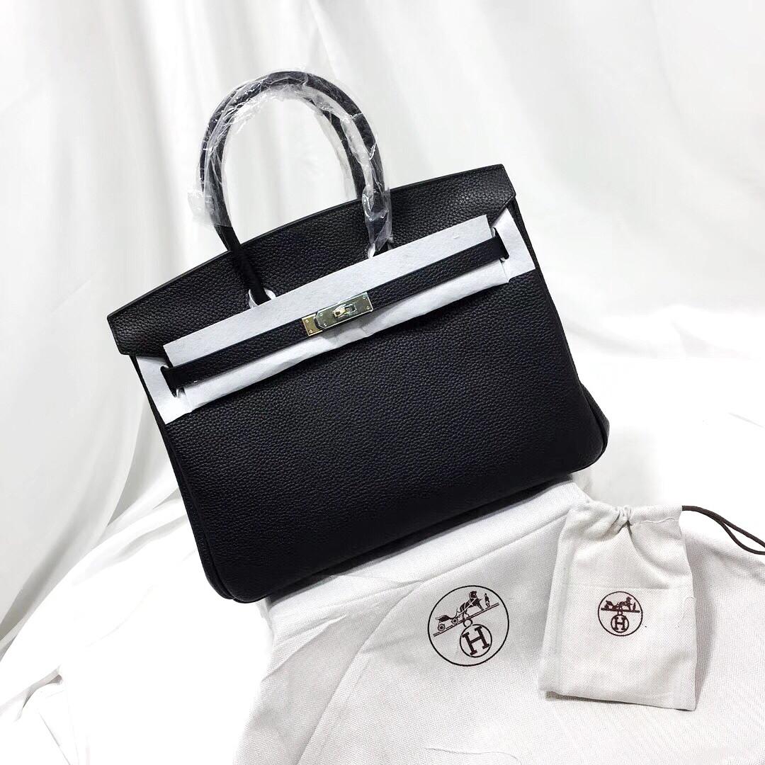 5b6bd1788ca8 Женская черная кожаная сумка Hermes: продажа, цена в Киеве. женские ...