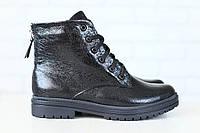 Женские ботинки, на низком ходу, черные, из натуральной лаковой кожи, на шнурках, на байке